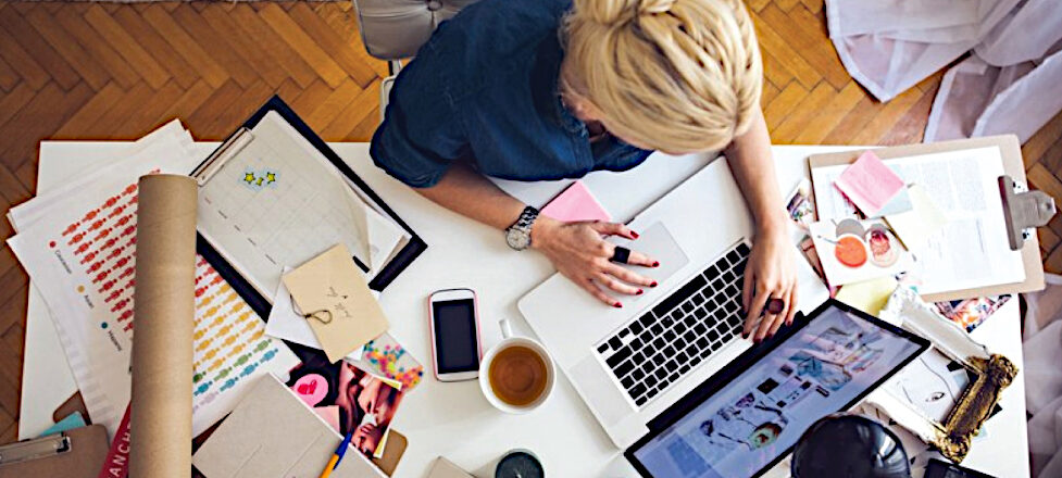 How to Declutter Your Desk At Work